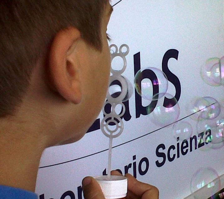 Laboratorio Scienza a Scuola e in Biblioteca